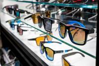 """深度解析:眼镜市场将颠覆性变化,""""破坏者""""们是如何侵入的?"""